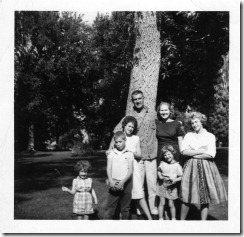 oldest six with mom and dad 1960 (2)